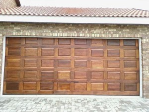 wooden-garage-door-replacement-kirkland-wa